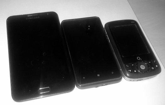 Von rechts nach links: o2 XDA, HTC HD7, Samsung Galaxy Note